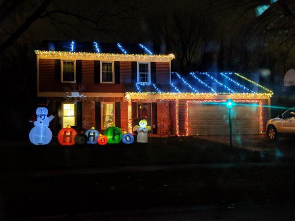 7722 Wishingwell Ct. Christmas Lights Display in Fort Wayne, Indiana