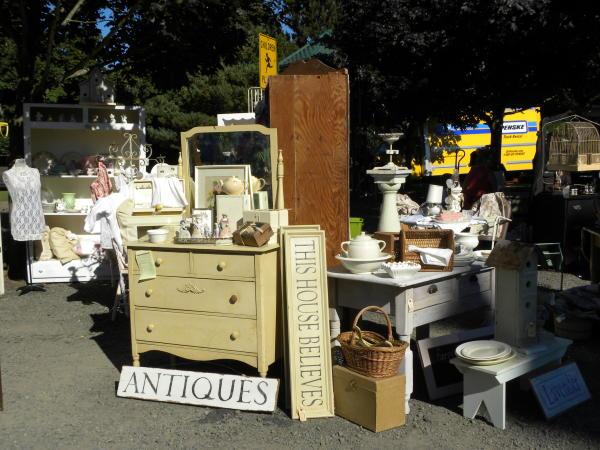 Coburg Antique Fair by Cari Garrigus