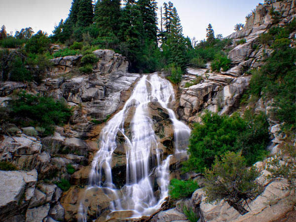 10 Waterfalls in Utah Valley that Will Take Your Breath Away - Horsetail Falls