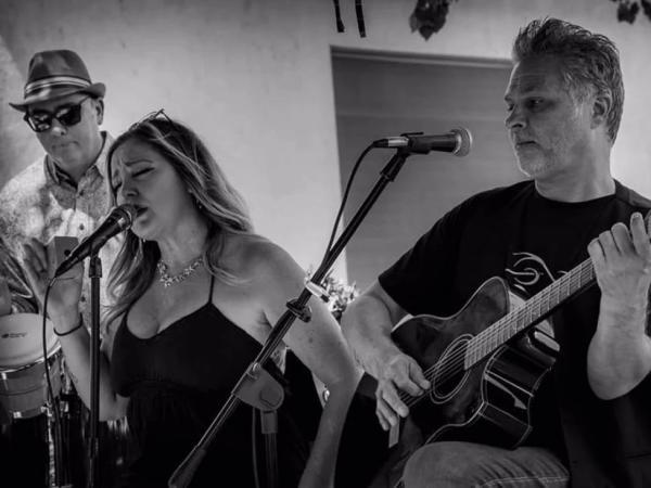 George & Grace Acoustic Jamz