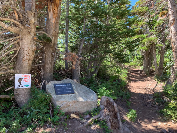 Bloods Lake Trail head with plaque dedication