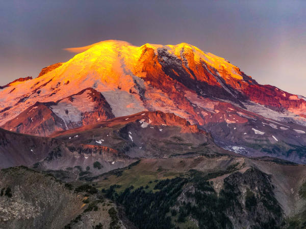 Sunrise at Mount Fremont on Mount Rainier
