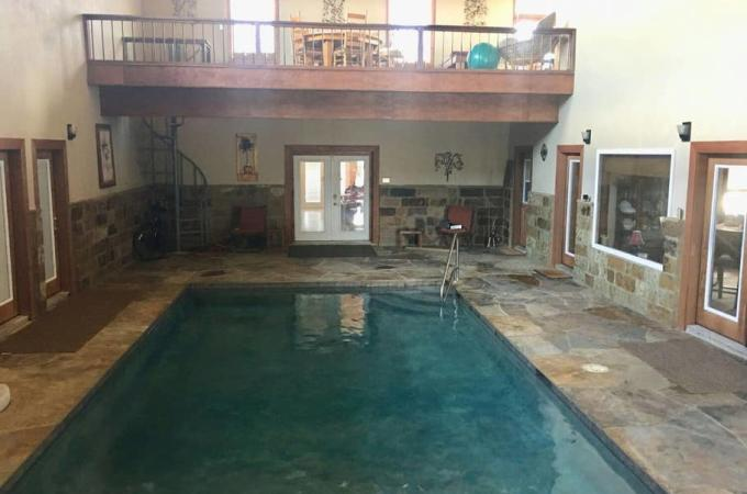 Perry Riverhouse Indoor Pool