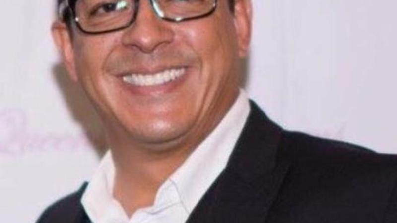 Dennis Castro