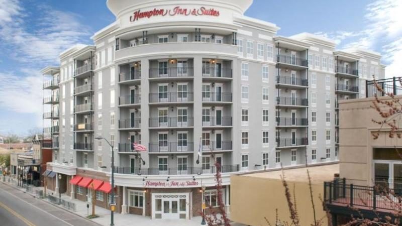 Hamptonn Inn Downtown 1