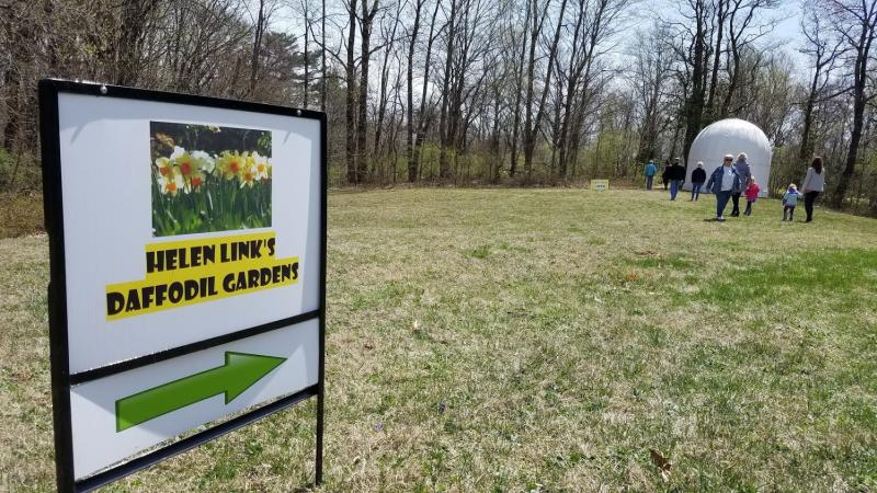 Daffodil Gardens welcome sign