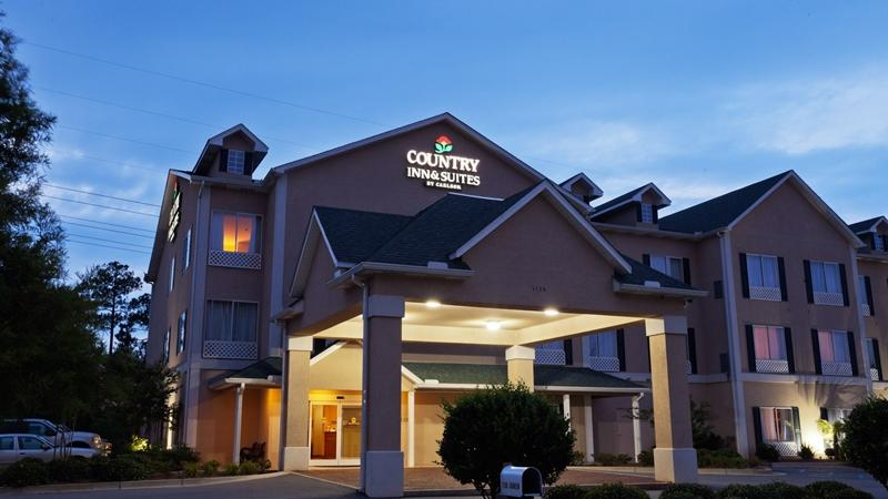Country Inn and Suites Saraland 1