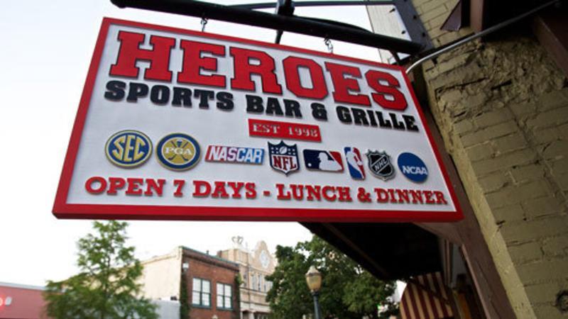 Heroes nightlife