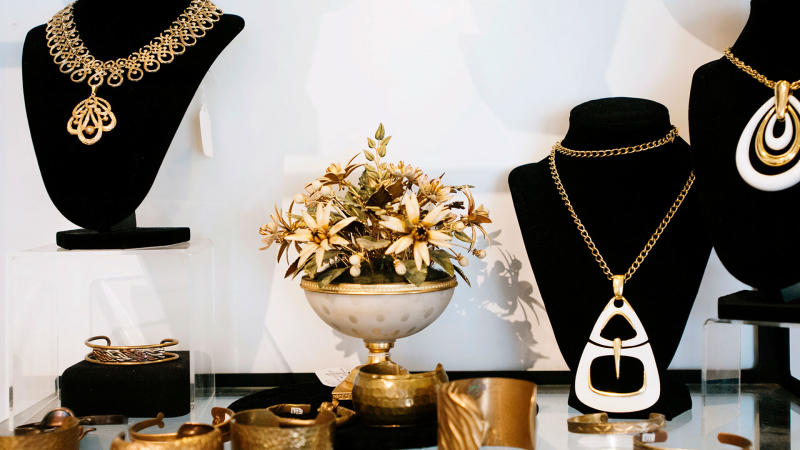 palm springs vintage shopping - bon vivant