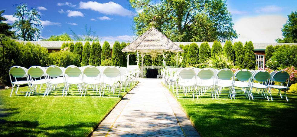 Village Green Resort Gardens Wedding