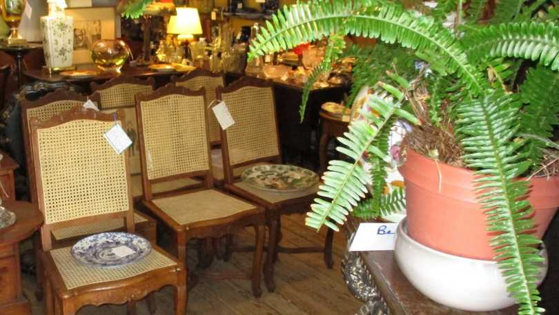 Jesee-James Antiques