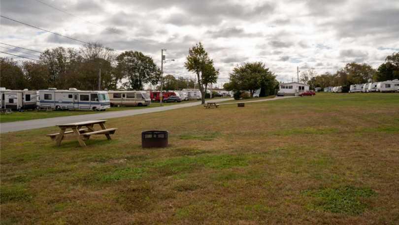 meadow lark mobile park