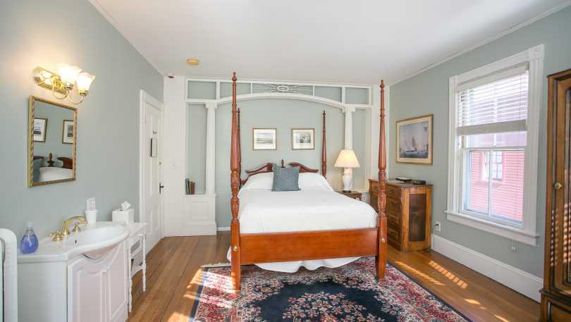 chart house bedroom