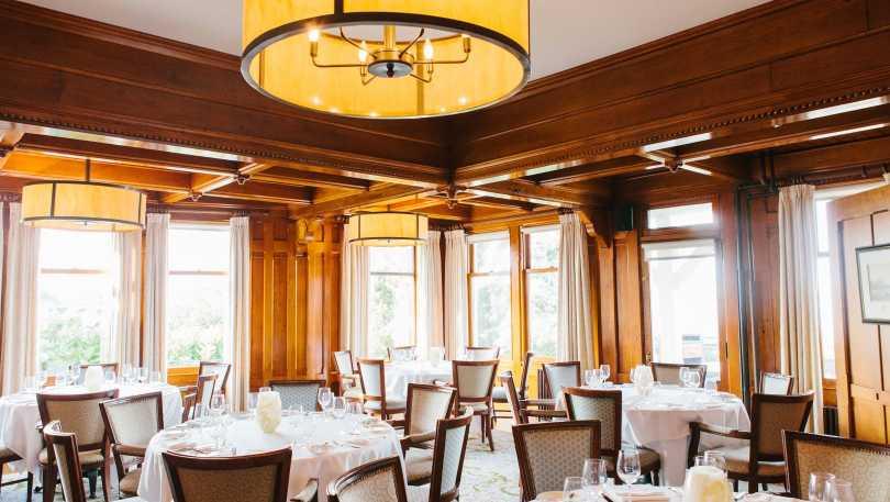 dining at castle hill inn