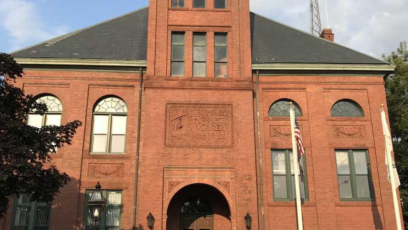 Warren Town Hall & Harbormaster.jpg