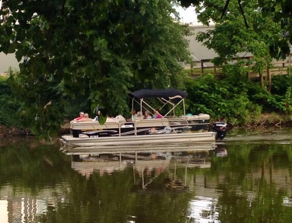 captain blacks pontoon boat rides fort wayne
