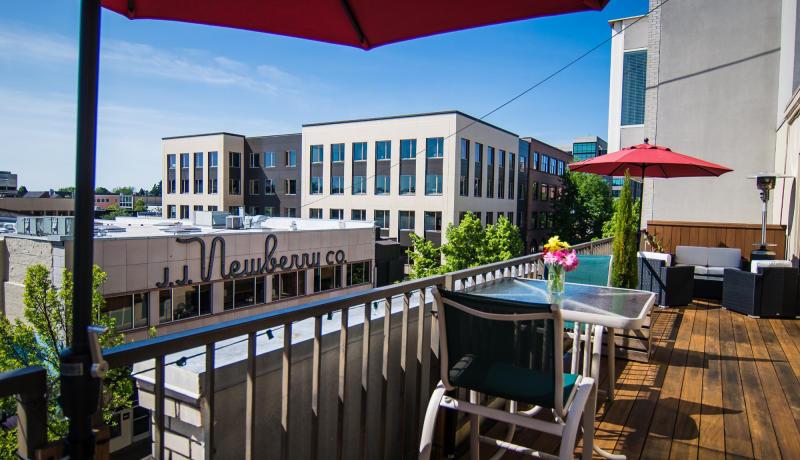 Ax Billy Restaurant patio