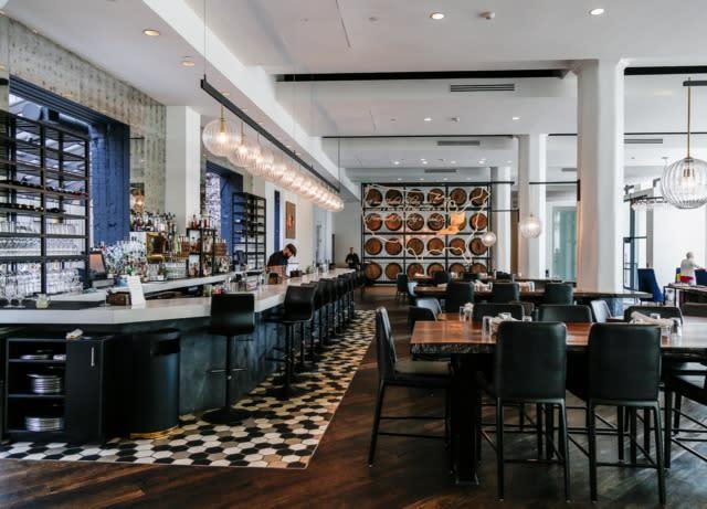 hotel covington bar