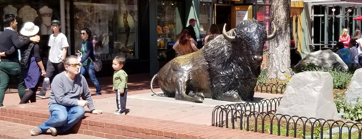 Buffalo sculpture Ralphie