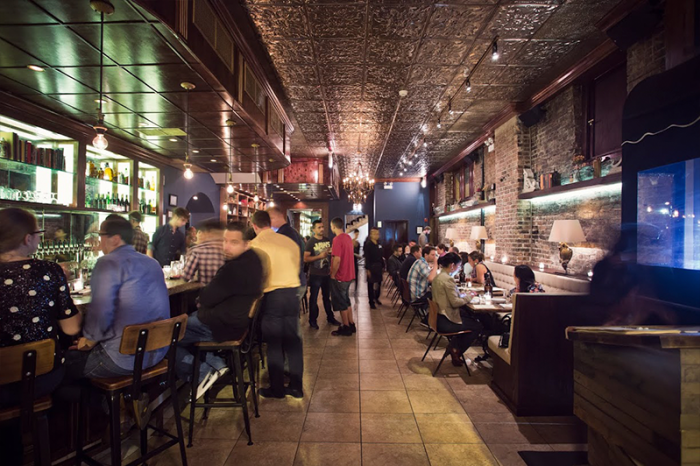 People dining in Dusek's Board & Beer in Chicago