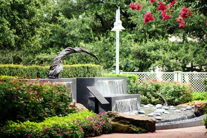 Sculpture and fountain in Market Square Park in Houston