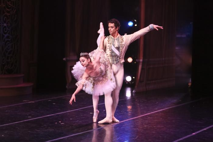 Festival Ballet Theatre's Guest Dancers the Nutcracker