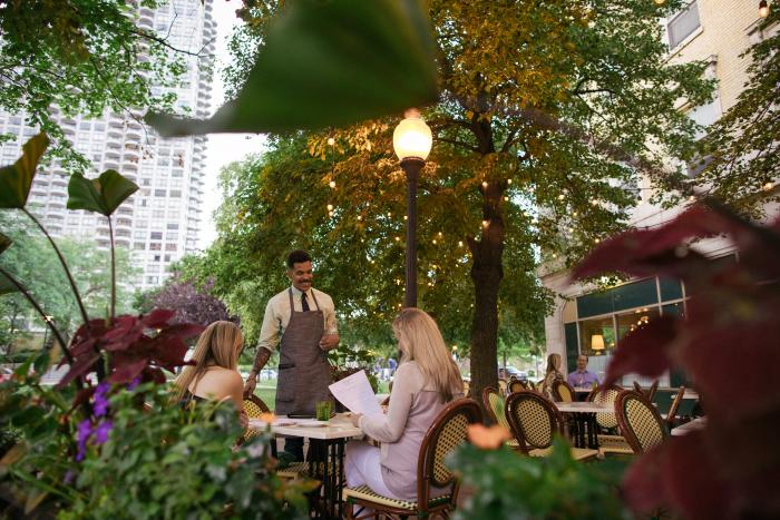 Outdoor dining at The Blanchard Chicago