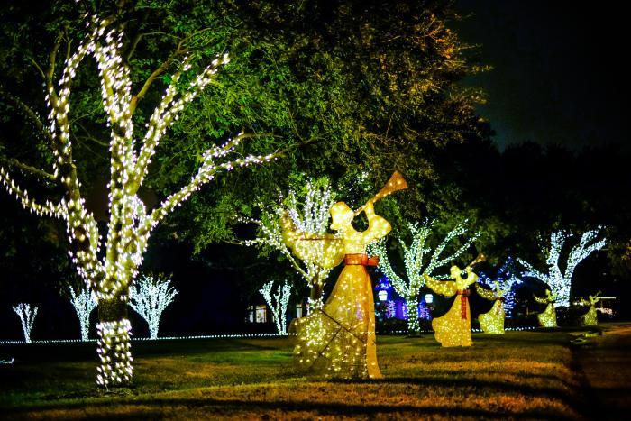 Christmas Angels along Shell Beach Drive