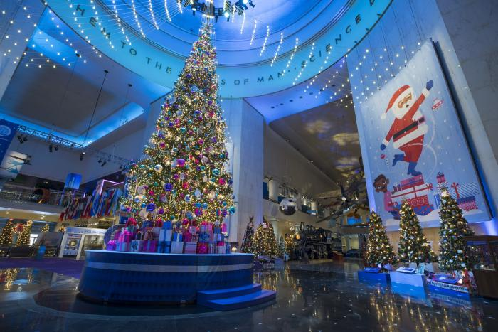 Christmas Around The World 2019 13 Spots in Chicago for Christmas Lights | Holiday Displays & Events
