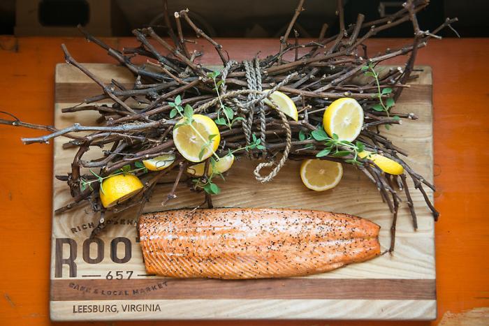 roots 657 salmon