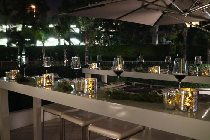 Floe Lounge Outdoor Dining Area