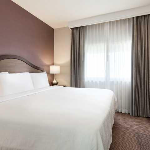 King Bedroom - Embassy Suites Temecula