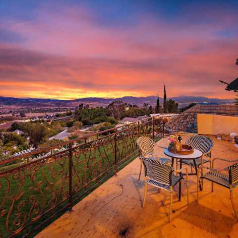 GATED TUSCANY ESTATE BEST VIEWS IN TEMECULA WINE COUNTRY 3