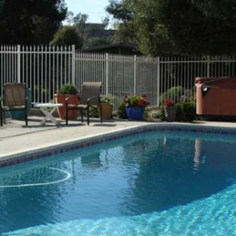 Merlot house pool sleeps 18