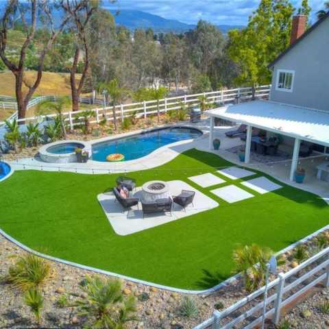 Upscale 5 acre estate in the heart of wine country 2