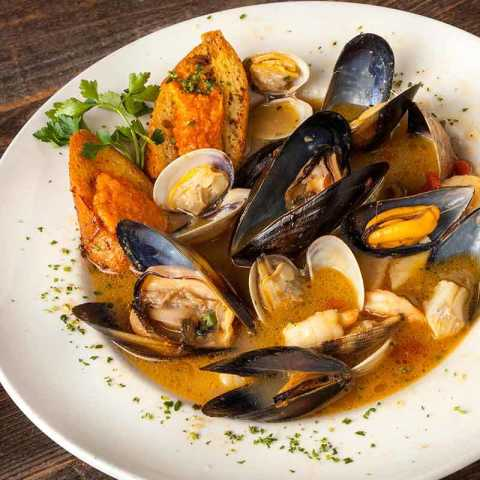 Ciopinno - Bluewater Grill Seafood Restaurant