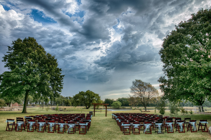Prairie Hill Vineyard in Wichita, KS is perfect for weddings, reunions and corporate events