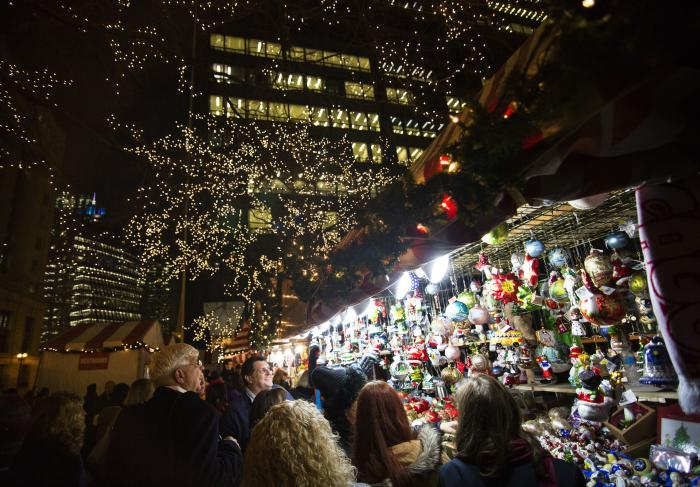 Christkindlmarket Shopping