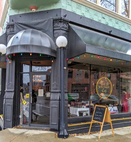 Photo of the entry door to York Street Cafe in Newport Kentucky