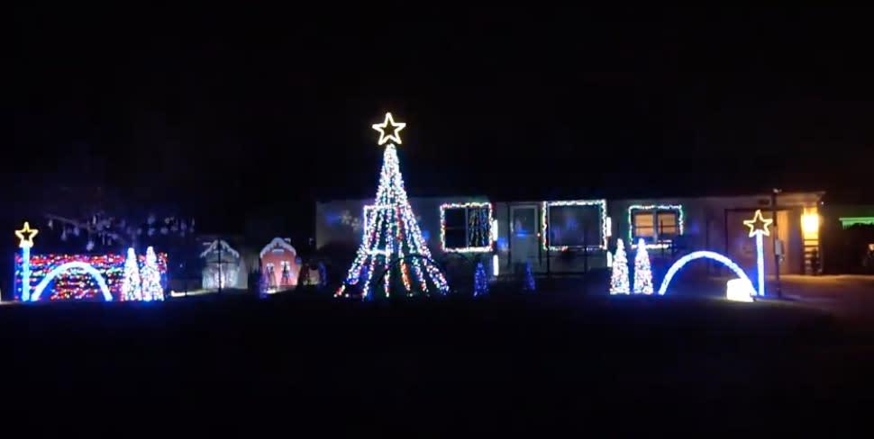 9th Street Christmas Lights