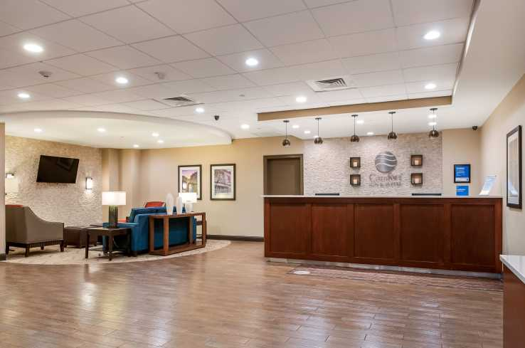 Comfort Inn & Suites at Copeland Tower Lobby
