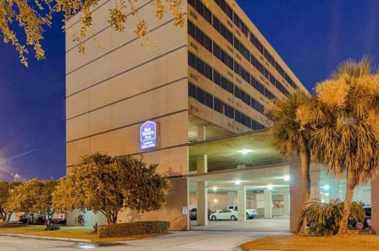 Best Western Plus Landmark Hotel & Suites-1
