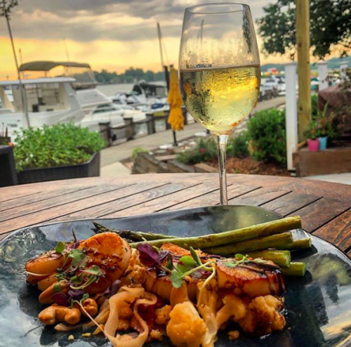 Seafood and white wine by the water at North Harbor Club