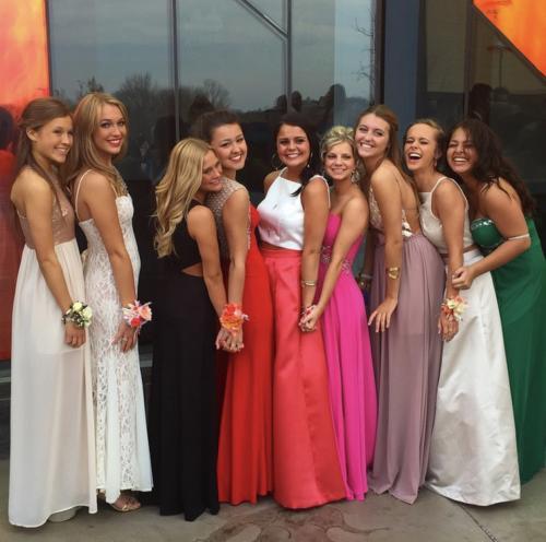 Prom-Dress-Shopping-In-KCOP