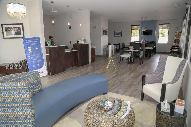 Quality Inn Athens Lobby