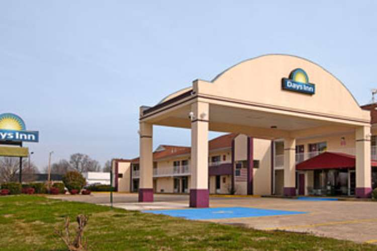 days_inn_shoals.jpg