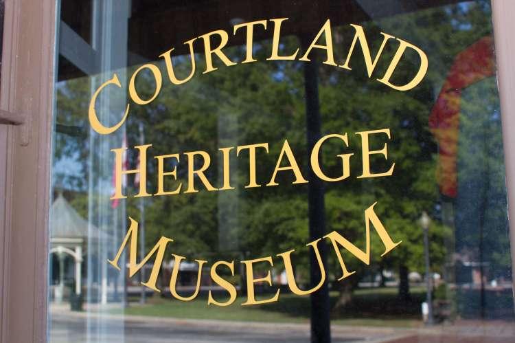 Window Courtland Heritage
