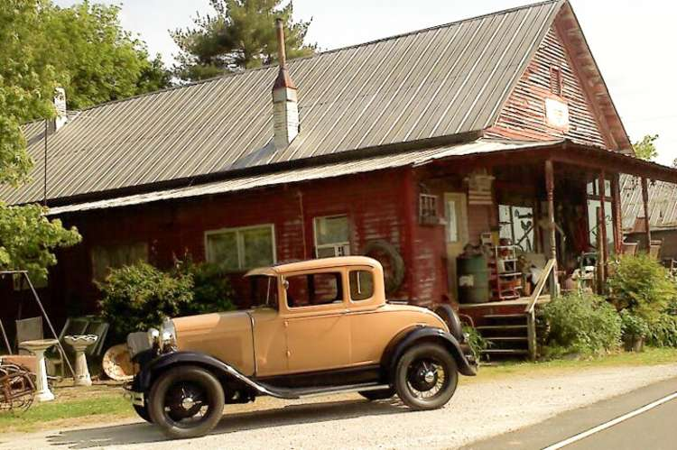 Carters Creek Station Antiques