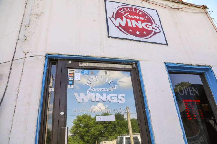 Willies Famous Wings