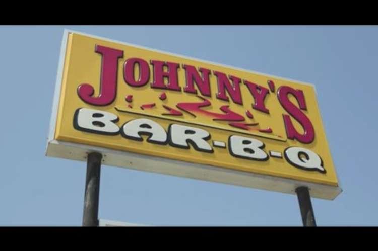 Tina Travels to Johnny's Bar-B-Q